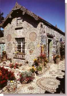"A house in Chartres, France (where there's more to see than ""just"" the cathedral!"