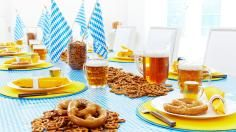 Bring all of the fun of a traditional German Oktoberfest right to your home! Host an Oktoberfest celebration with our recipe, tips and decor ideas that will have you and your guests saying Prosit! Oktoberfest Party, Oktoberfest Decorations, German Oktoberfest, German Festival, Magazine Deco, Boutique Deco, Beer Fest, Beer Tasting, Deco Design