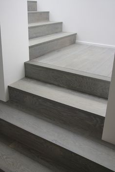 56 Ideas Modern Rustic Stairs Architecture For 2019 Wood Floor Stairs, Tiled Staircase, Tile Stairs, House Stairs, Laminate Stairs, Stairs Flooring, Concrete Floor, Rustic Stairs, Stairs Architecture