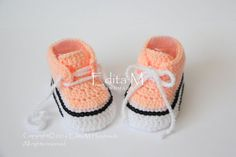 Sale. Crochet baby sneakers baby shoes boots booties