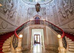 Esqueça o turismo de massas e parta à descoberta daquilo que os turistas não conhecem. Descubra 10 locais deslumbrantes em Lisboa que quase ninguém conhece.