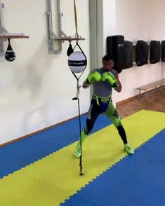 Boxing Workout Routine, Boxer Workout, Boxing Training Workout, Kickboxing Workout, Calisthenics Workout, Gym Workout Videos, Boxing Techniques, Martial Arts Techniques, Boxing Drills