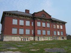 Abandoned school on Bellows Avenue near downtown Columbus, Ohio.