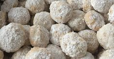 Also sometimes called 'Mexican wedding cookie', 'Russian tea cakes', or 'butterballs', Italian Wedding Cookies, Italian Christmas Cookies, Mexican Wedding Cookies, Italian Cookies, Christmas Baking, Mexican Christmas, Russian Tea Cake, Russian Cookies, Tea Cakes