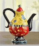 http://agitare-kurzartikel.blogspot.com/2012/04/noblesse-luxus-labels-luxus-pur-das.html  Joyce Shelton teapots