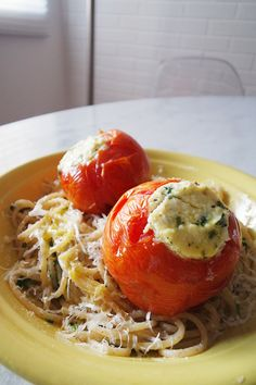 Tomates assados e recheados