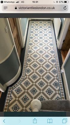 Your hallway should be able to deal with numerous tasks. He too will be no exception, with plenty of choice to showcase your own personal style and cr… Home & Apartment Ideas for best int… Victorian Hallway Tiles, Edwardian Hallway, Tiled Hallway, Hallway Carpet, Foyer Flooring, Porch Flooring, Bathroom Flooring, Victorian House Interiors, Victorian Porch