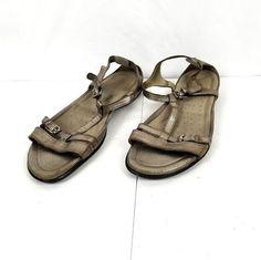 9d96f2009896 ECCO Womens SZ 11 Flash T Strap Metallic Silver Leather Comfort Casual  Sandals