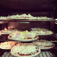 Freshly baked and truly mouth-watering classic pizzas! Pizza Jokes, Pizza Vans, Welsh Weddings, Quirky Wedding, Wedding Breakfast, Freshly Baked, Long Weekend, Street Food, Catering