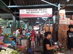 Pasar Tradisional, di Yogyakarta. Yogyakarta, Times Square, Broadway Shows, Travel, Viajes, Trips, Traveling, Tourism, Vacations