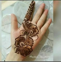 We have got a list of top Arabic Mehndi designs for Hand. You can choose Arabic Mehndi Design for Hand from the list for your special occasion. Henna Hand Designs, Mehndi Designs Finger, Latest Arabic Mehndi Designs, Mehndi Designs For Girls, Mehndi Designs For Beginners, Mehndi Design Pictures, Wedding Mehndi Designs, Mehndi Designs For Fingers, Unique Mehndi Designs