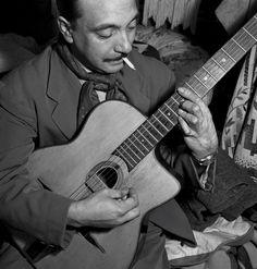 Django Reinhardt. One Of The Greatest Gypsy Jazz Guitarisst Ever!