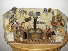 Alte Puppenküche von Christian Hacker im Originalzustand