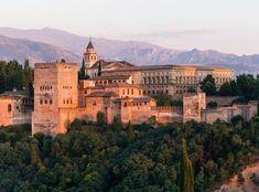 ماذا تعرف عن قصر الحمراء الموجود في إسبانيا