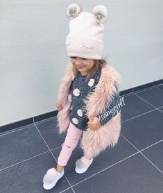 46 Ideas Baby Fashion Clothes Smile For 2019 Little Kid Fashion, Little Girl Outfits, Cute Outfits For Kids, Baby Girl Fashion, Toddler Fashion, Kids Fashion, Fashion Clothes, Fashion Scarves, Toddler Girl Style