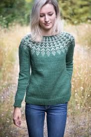 Fern 038 Feather pattern by Jennifer Steingass Fern 038 Feather pattern by Jennifer Steingass Heidi Hombsch heidihombsch Fair Isle A top-down Icelandic-inspired stranded yoke sweater This pullover nbsp hellip Sweater drawing Sweater Knitting Patterns, Knit Patterns, Knitting Sweaters, Fair Isle Knitting, Free Knitting, Beginner Knitting, Icelandic Sweaters, Feather Pattern, Pulls