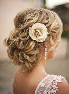 Afbeeldingsresultaat voor bruidskapsel kort haar bloemen