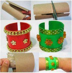 bunt bemalter #DIY Schmuck aus Papierrollen für #Verkleidung beim #Kindergeburtstag