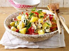 Kartoffelsalat mit gebratener Zucchini, Paprika und Kichererbsen