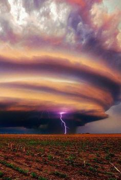 Lenticular Cloud With Lightning - sky - field - purple - NATURE - photo - earth Beautiful Sky, Beautiful World, Beautiful Places, Amazing Places, Fuerza Natural, Cool Pictures, Beautiful Pictures, Scary Photos, Dame Nature