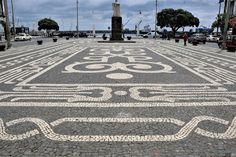 Roc2c: * As simetrias das Calçadas dos Açores num baralho de cartas *  LocalPonta delgada, Açores  Photo: Roc2c Pavement, Pebble Art, Mosaics, Nova, Island, Luxurious Homes, Loom Animals, Street Art, Articles