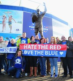 Cardiff City fans gather in front of the statue of 1927 City cup final winning captain Fred Keenor Cardiff City Football, Cardiff City Fc, Bluebirds, Fans, Statue, Club, Baseball Cards, Sports, Pictures