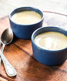 Baba de camelo. Uma sobremesa que fica pronta em 15 minutos - mesmo. Suave e doce, ideal para terminar uma refeição de festa.