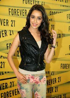 Shraddha Kapoor Inaugurates Forever 21 Store.