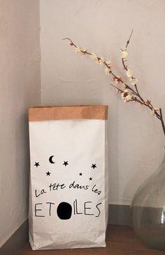 """Paper Bag """"La tête dans les étoiles"""" 14,00 €"""