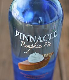 A cocktail prepared with Pinnacle Pumpkin Pie Vodka, apple cider and club soda. Pumpkin Cocktail, Apple Cider Cocktail, Cider Cocktails, Pumpkin Vodka Recipes, Drink Recipes, Cabana, Fall Drinks, Party Drinks, Party Party