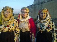 Kurdish Women of Kobanê and the historical Costumes that women still wear in the City.