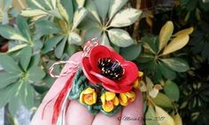 March brooche - poppy and fresias by Maria Oroian Quilling Videos, Quilling Work, Quilling Flowers, Paper Quilling, Paper Flowers, Project Yourself, Jewelry Art, Paper Art, Poppies