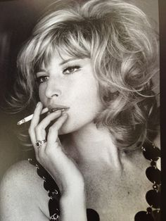 The beautiful Monica Vitti in a Paco Rabanne metal dress. Women then were real women, the true essence of sensuality.