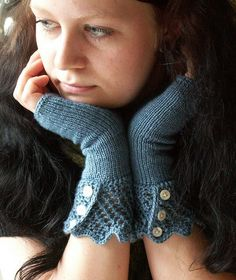 DIY Fingerless Gloves - FREE Knitting Pattern / Tutorial