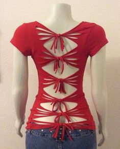 Sew T-Shirt Red cut up t-shirt inspired by Adam Saaks. - Red cut up t-shirt inspired by Adam Saaks. Zerschnittene Shirts, Diy Cut Shirts, T Shirt Diy, Cutting T Shirts, T Shirt Refashion, Upcycle Shirts, Ripped Shirts, Diy Clothes Refashion, Clothes Crafts