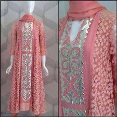 E Pakistani Formal Dresses, Pakistani Outfits, Stylish Dresses For Girls, Casual Dresses, Kurta Patterns, Stylish Sarees, Applique Dress, Kurta Designs, Indian Designer Wear