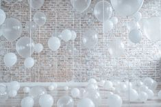 Clear Bubble Balloons 20 & 24 in size Clear Clear Balloons With Confetti, Bubble Balloons, White Balloons, Mylar Balloons, Latex Balloons, Bubbles, Balloon Backdrop, Balloon Garland, Bridal Shower Decorations