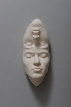 Lucid Dreams: Distorted Sculptures by Johnson Tsang - Inspiration Grid Johnson Tsang, A Level Art, Porcelain Ceramics, Fine Porcelain, Porcelain Tiles, Painted Porcelain, Hand Painted, Porcelain Jewelry, Lucid Dreaming