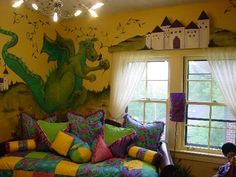 Fresh Paint is a faux finish and mural studio in Wichita, Kansas, showcasing the talents of Linnette Lee.