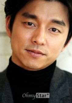 Gong Yoo (공유) - Picture @ HanCinema :: The Korean Movie and Drama Database Gong Li, Yoo Gong, Asian Actors, Korean Actors, Korean Dramas, Busan, Gong Yoo Smile, Namgoong Min, Goong Yoo