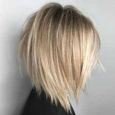Choppy Jagged Bob for Straight Hair - Schulterlange Haare Ideen Inverted Bob Haircuts, Medium Bob Hairstyles, Hairstyles Haircuts, Straight Hairstyles, Haircut Medium, Short Haircuts, Wedding Hairstyles, Braided Hairstyles, Blonde Inverted Bob