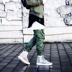 Diggin the stroll in a fresh pair of Yeezy Boost