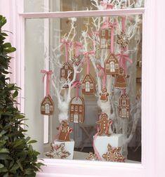 Wedding Magazine - Christmas baking ideas: Peggy Porschen's Gingerbread Village