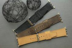 """Offrez à votre Apple Watch un bracelet en cuir """"Plein-Fleur"""" réalisé à la main à Cape Town. Disponible chez capsunshop.ch Apple Watch, Creations, Belt, Pocket, Leather, Design, Accessories, Budget, Belts"""