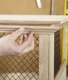 How to Build a Dog Crate - Kennel - Hund Dog Crate Cover, Diy Dog Crate, Dog Kennel Cover, Diy Dog Kennel, Diy Dog Bed, Dog Kennels, Diy Bed, Dog Crate End Table, Dog Kennel End Table