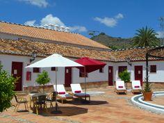 Hotel Cortijo del Arte in Pizarra. Een geweldige plek voor een kindervakantie naar de binnenlanden van Málaga. Ideëen voor uitstapjes te vinden op:http://het-andere-spanje.nl/spanje-blog/vakantie-met-kinderen-andalusi%C3%AB #Spanje #kindervakantie #Malaga
