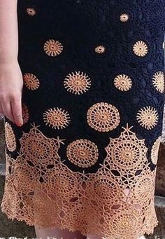 Fabulous Crochet a Little Black Crochet Dress Ideas. Georgeous Crochet a Little Black Crochet Dress Ideas. Crochet Bodycon Dresses, Black Crochet Dress, Crochet Skirts, Crochet Blouse, Crochet Clothes, Crochet Skirt Pattern, Crochet Trim, Knit Crochet, Crochet Patterns