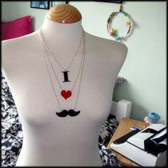 Moustache Necklace - Collar mostacho