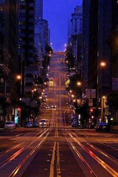 Amazing night view of #San Francisco Streets. Plan your trip with our best itinerary planner.
