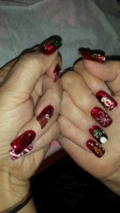 Christmas nails art by Hawaiinailsfamily.com